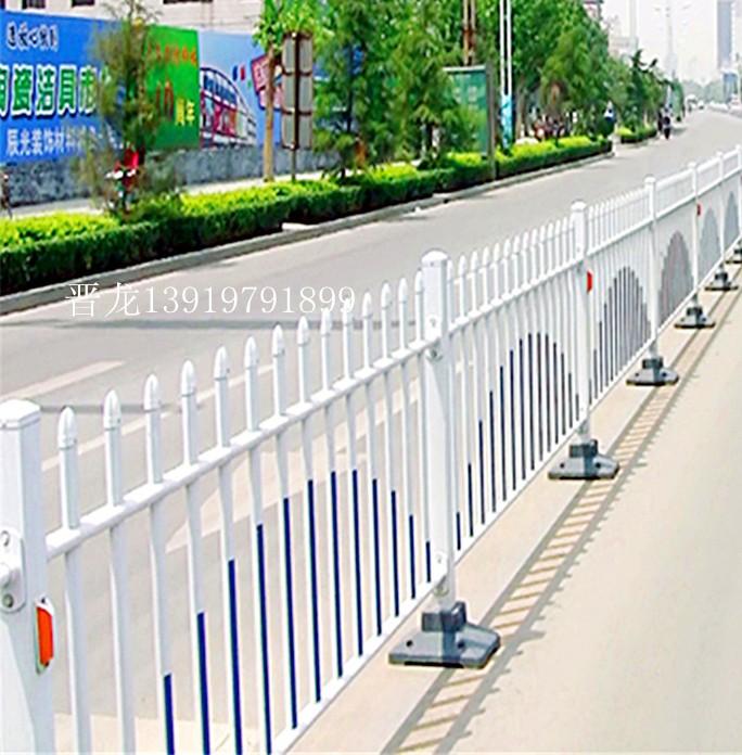 甘肃兰州晋龙锌钢护栏 青海西宁交通护栏 拉萨草坪护栏
