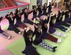 音乐教师幼儿园授课