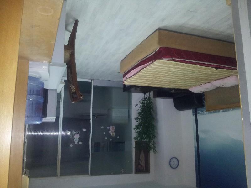 短租中山路 发达大厦13楼 1室 1厅 60平米 整租