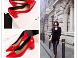 欧洲站新款真皮尖头粗跟低帮女士单鞋红色婚鞋时尚宴会舒适女单鞋