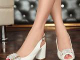 特价2014夏季新款女鞋时尚水钻真皮粗跟高跟鱼嘴女凉鞋子