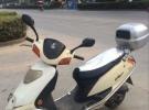 低价出售实图上的二手踏板摩托车,弯梁摩托车。有票。懂车的来1元
