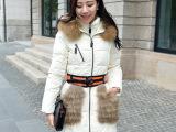 韩版中长款时尚纯色加厚女式羽绒服 领口袋修身腰带外套