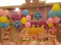 小丑捏气球人气派送开业气球拱门宝宝宴气球布置