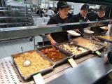 小吃创业 一楼预招位置,可做炸串粉丝煲特色饭,日均