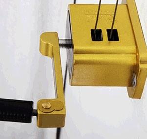 贴心为您服务晾衣架维修安装换手摇器钢丝绳