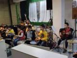 乌涂梧侣西塘专业培训吉他,架子鼓报名送乐器机构