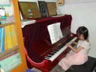 贝多芬琴行 开展学古筝送古筝暑假乐器培训班现在报名