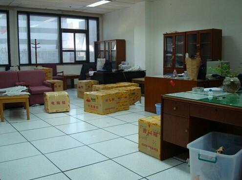 湛江鸿运搬家公司承接团体 个人搬迁服务