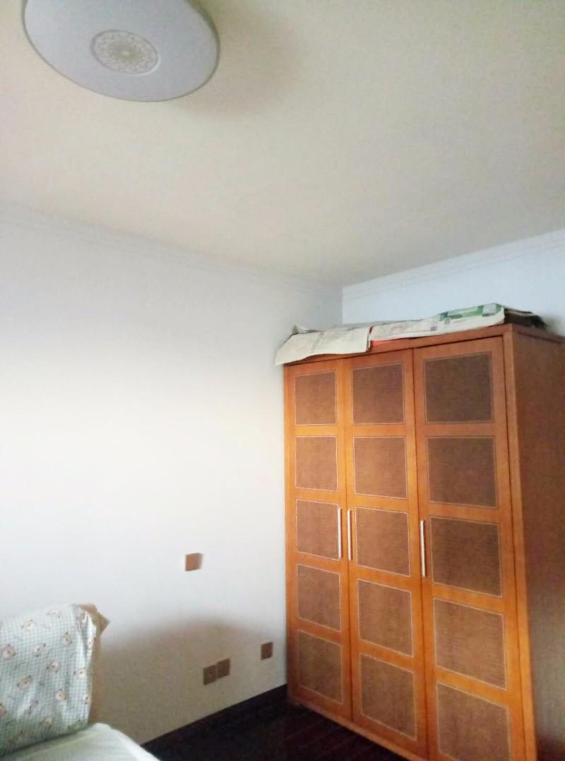 西安旧房墙面刷新,贴瓷砖 换木地板,价格优惠