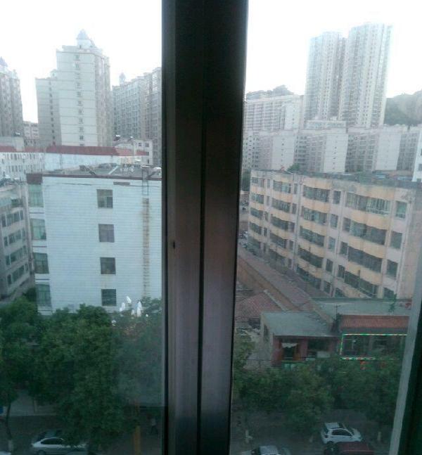 滨河景苑12楼50平二室简装 2室1厅1卫