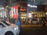 南京西路十字路口位置旺鋪 招奶茶甜品咖啡上海小吃網紅小吃等