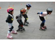 一对一教学--H R青少年轮滑运动培训