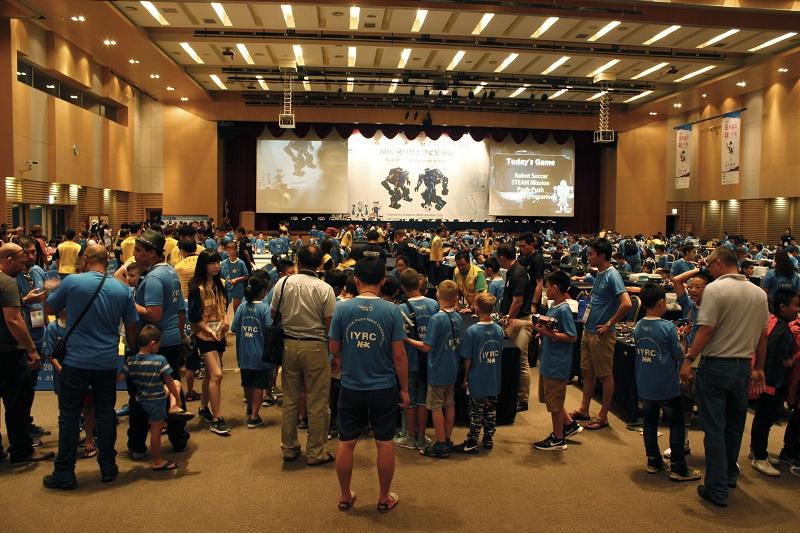 深圳韩端科技机器人编程创客课程在业内怎么样