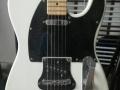 手工电吉他+korg1500效果器1200元