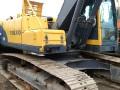 小松挖掘机发动机机油变质维修方法发动机烧机油办维修方法