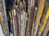 收购旧钢笆片 钢笆网旧铁笆片旧工字钢 旧钢管库存出售