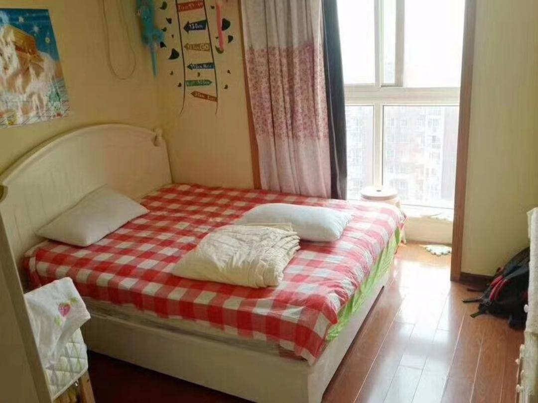 临近地铁 精装全齐大两居 温馨居家房 好房期待您的入住