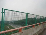 高速公路防护网价格 荆门哪里有公路铁丝防护网厂家