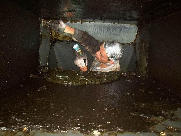 无锡惠山区洛社镇油烟管道清洗 清淤 长期保养