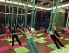杜琼·赫本的殿招募教练3名和空中瑜伽教练一位