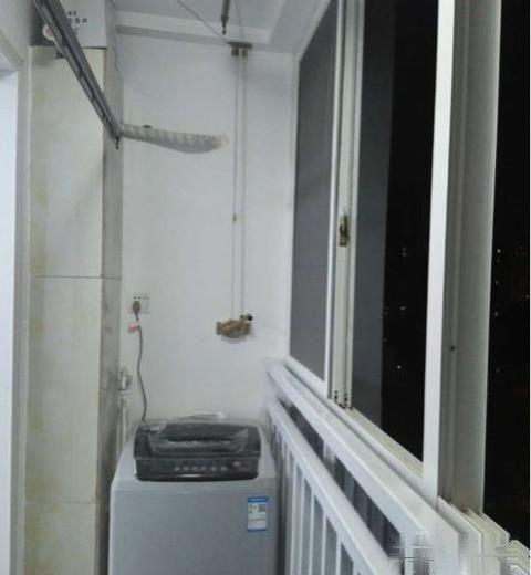 防爆口阳光家园精装两室家具家电齐全拎包入住