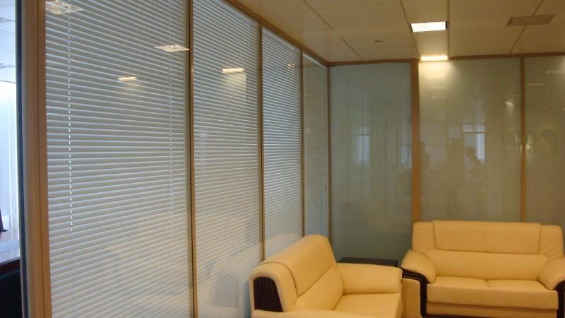临沂装饰公司有几家 办公隔墙厂