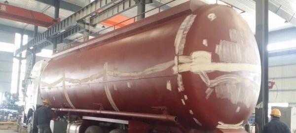 转让 粉粒物料车重汽豪沃48方粉粒物料运输车