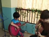 百步亭较专业的吉他培训机构!武汉原木糖音乐!