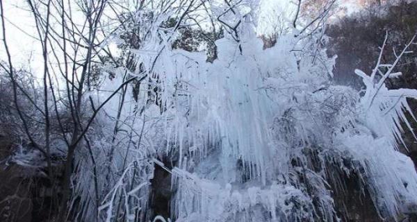 元旦小沟背冰挂一日游