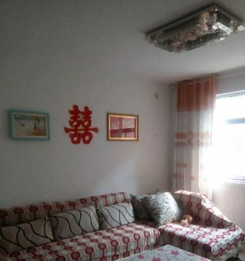 有简单家具,屋内干净卫生,灶具能做饭,可长期出租