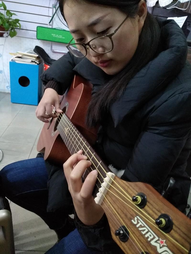 吉他 尤克里里 非洲鼓培训