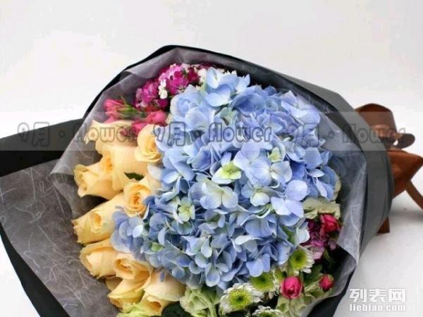绣球玫瑰精品花束