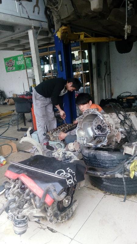 北京道路救援搭电,送油,补胎,换电瓶