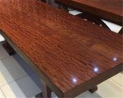 哪里有供应特色的崖柏根雕茶桌 实木大板供应商