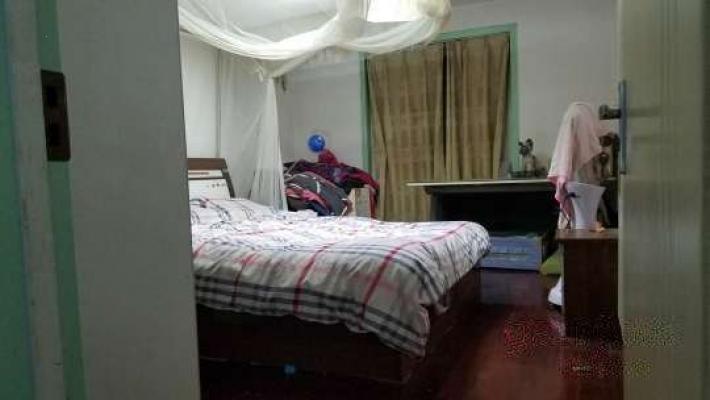 一楼复式房,带暖气精装修送家俱家电62