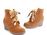2013秋冬新款磨砂皮坡跟短靴 圆头纯色