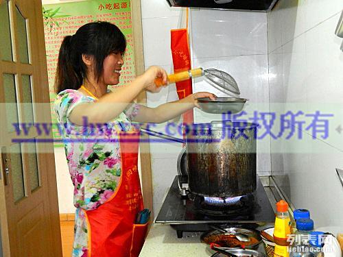 麻辣烫的做法与配方 砂锅的做法 烧烤配方尽在兰州回味香