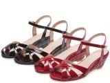 夏季女鞋新品真皮女鞋凉鞋欧美时尚坡跟鞋搭扣女凉鞋