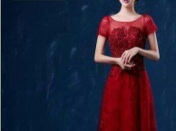 海口婚纱礼服、伴娘服西装租赁、化妆跟妆、摄影跟拍