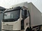 低价处理解放单桥6.8米厢式货车1年3万公里9.8万
