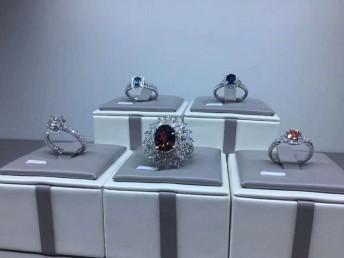 结婚定制首选的培育钻石克拉钻