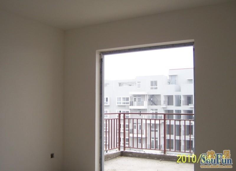 松江新城专业墙面粉刷,旧房墙面修补,刷涂料刮腻子