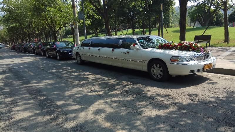 成都婚车租赁便宜婚车口碑好的租车公司十二年租车品牌