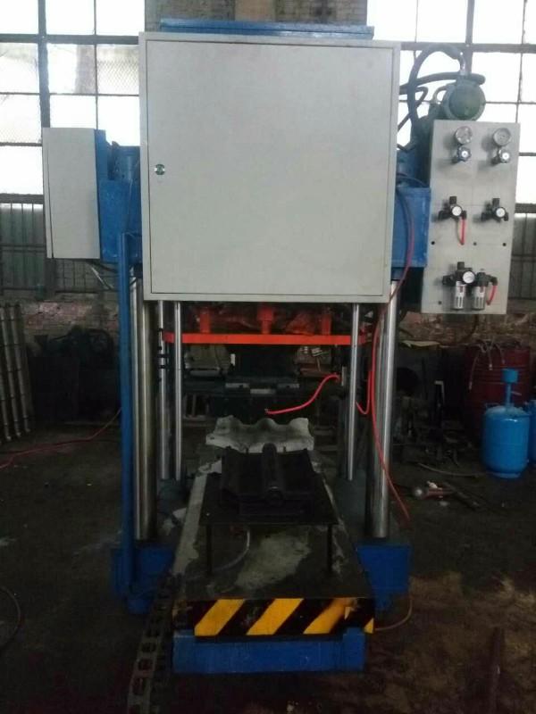 低价出售二手水泥彩瓦机