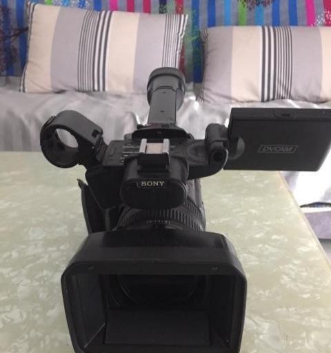 索尼198P摄像机一台