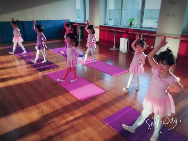 阜外南营房五号院附近有好的舞蹈培训机构吗