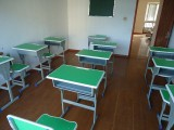 全新学生课桌椅低价转让