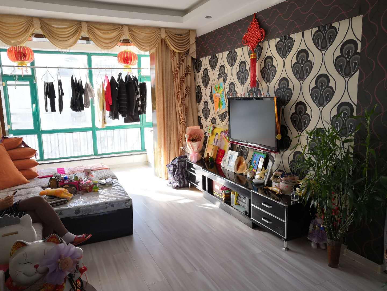 出租恒润第一城标准两室 家具家电齐全包取暖物业