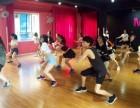 昆明专业钢管舞教练培训ME华翎舞蹈学校